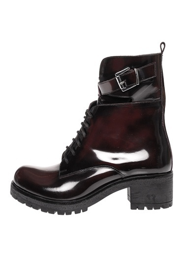 Black Pepper Postal Bot Bordo